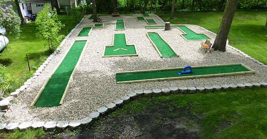 Mini-golf course